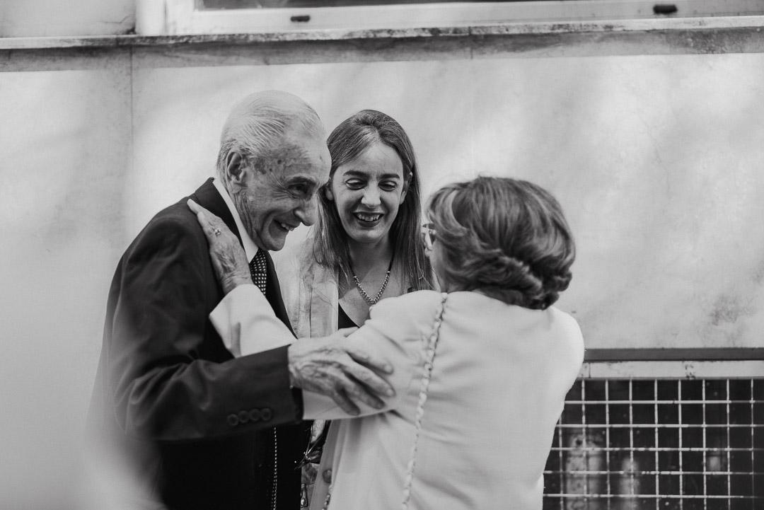 Fotos del civil de Euge y Eze en Buenos Aires por Emilia Gualdoni Fotografia